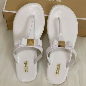 MICHARL KORS JELLY THONGS SANDALS